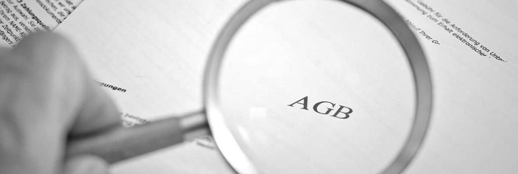 Lupe auf AGB, Vertragsrecht Rosenheim