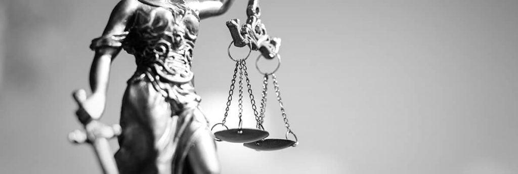 Justitia Statue - Rechtsanwalt Rosenheim Herzog